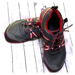 XERCSHOES red and gray new with out tags